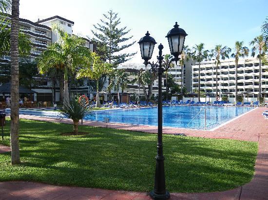 Piscina picture of hotasa puerto resort canarife palace puerto de la cruz tripadvisor - Hotel canarife palace puerto de la cruz ...