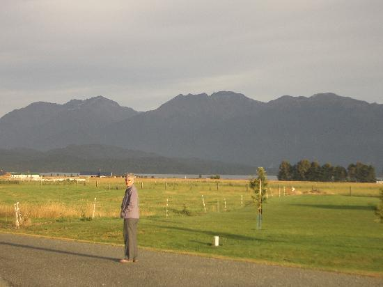 Te Anau Loch Sloy B&B : View from the decking