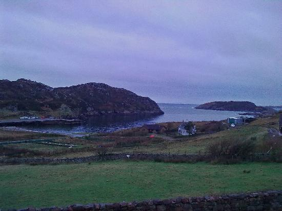 Kinlochbervie Hotel: From my window - rubbish weather sadly!