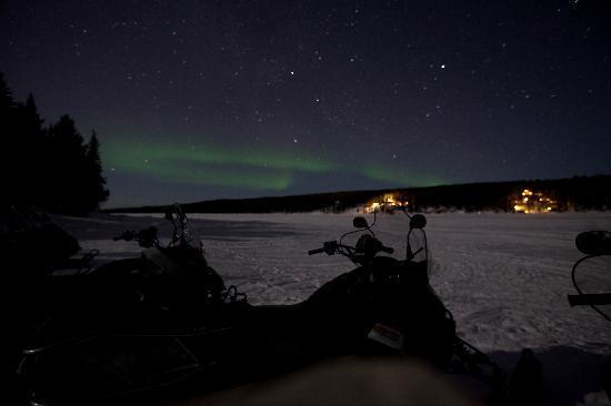 Kiruna Guidetur - Day Trips: Northern Lights