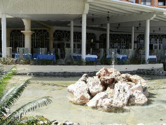 Sol Rio de Luna y Mares: Colon buffet restaurant in Mares