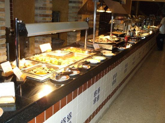 Sol Rio de Luna y Mares: Lots to choose from at the buffet