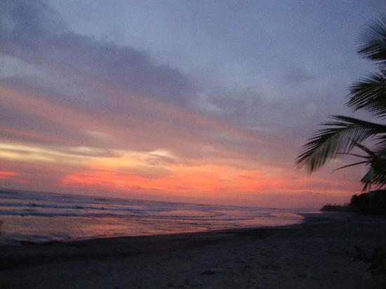 Villas Hermosas: Beautiful sunsets every night