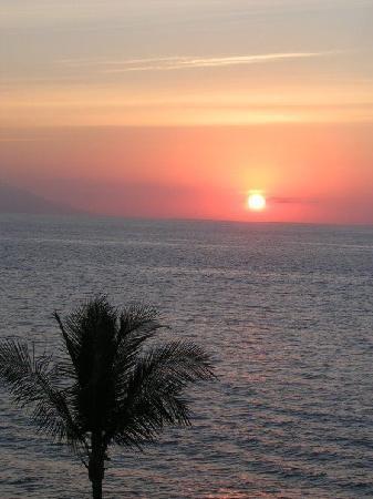 Villa Premiere Boutique Hotel & Romantic Getaway: Beautiful sunset