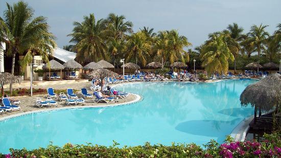 The pool at Melia Cayo Coco
