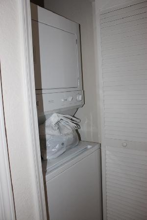 Palisades Resort: Washer/Dryer in front hall