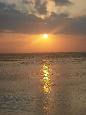 Shangri-La's Fijian Resort & Spa: Beautiful Sunsets every night