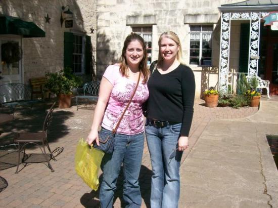Fredericksburg, TX: Michelle and I in Fredricksburg- museums and wine tasting