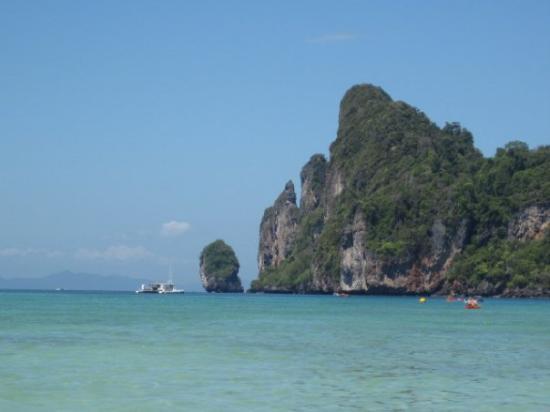 Ko Phi Phi Don, Thailand: tonsai bay,  phi phi