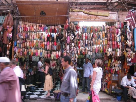 Djema al-Fna: Babouches (traditional Moroccan leather slippers). Souk, Marrakech Medina.