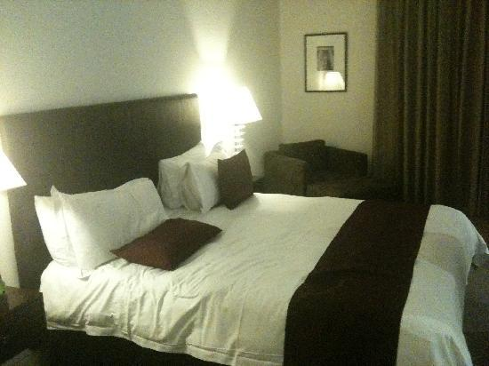 Ramada Perth, The Outram: Very comfortable bed