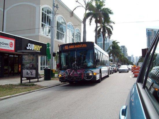 Miami, FL: Reparaciones en Biscayne Blvd.