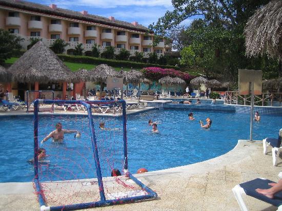 Grand Palladium Vallarta Resort & Spa: Main pool