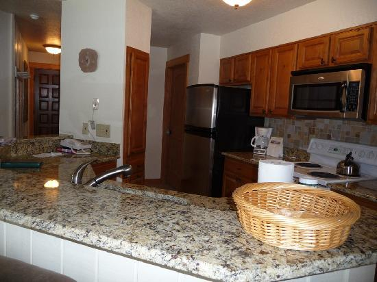 The Lodge At Steamboat : Unit A109 Kitchen