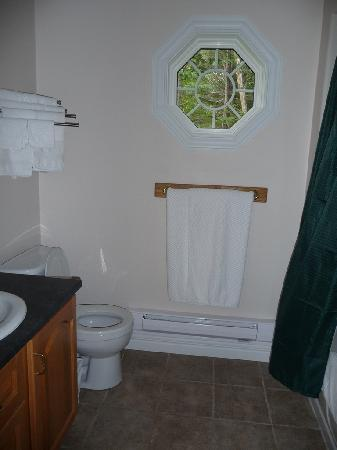 Mountain Range Cottages: Cottage 5 Bathroom