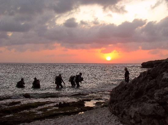 Eden Beach Resort: Sunset On Bonaire