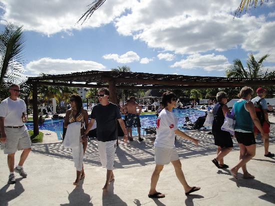 BlueBay Grand Esmeralda: Just a nice shot of the pool. It was NICE.