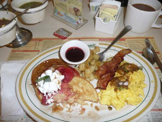 Panama: Pancakes, Eggs, Hashbrowns