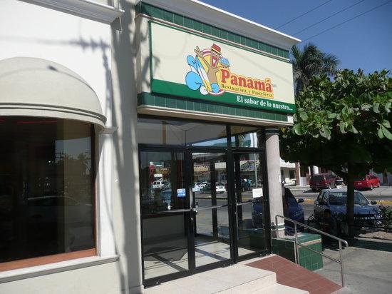 Panama: Storefront