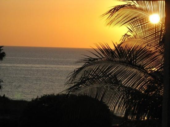 Kihei, HI: Sunset at the beach