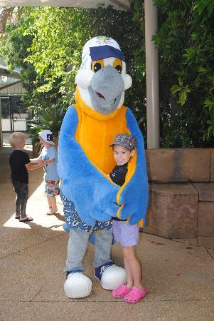Ashmore Palms Holiday Village: M daughter with Macca Macaw