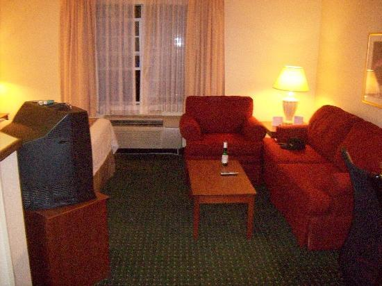Home Towne Suites - Montgomery: Small sofa area