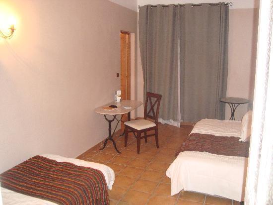 Hotel Artéa : Triple room (2 area room)