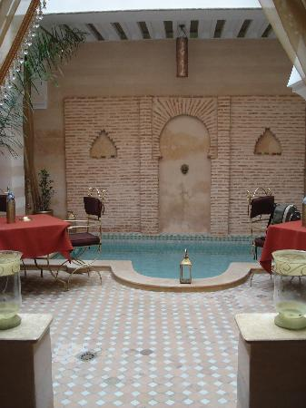 Riad Schanez : Patio and pool