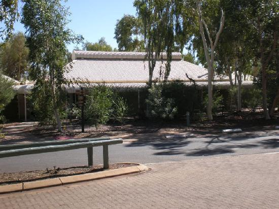 """Outback Pioneer Hotel & Lodge, Ayers Rock Resort: Hotel """"Chalet"""""""