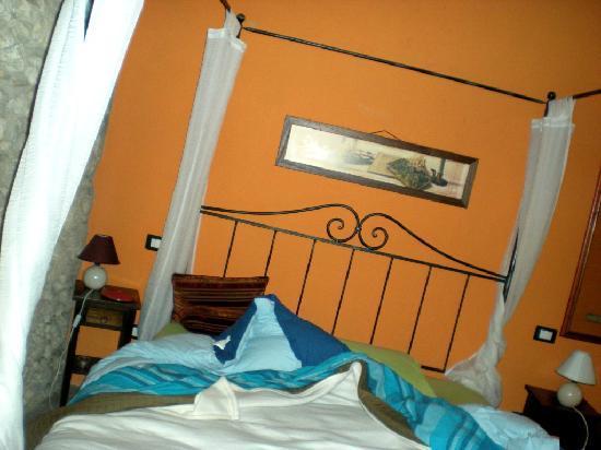 Via Garibaldi 120 Charming BB : our room
