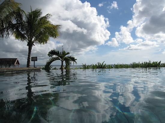 InterContinental Mauritius Resort Balaclava Fort: view from the pool