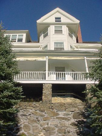 Blair Hill Inn: Commanding architecture