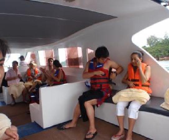 The Taaras Beach & Spa Resort: Berjaya Speedboat