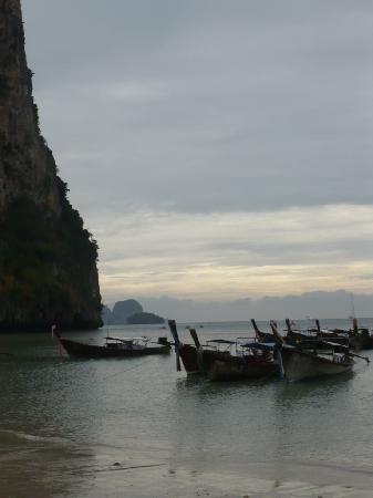 Sunda Resort: long tails