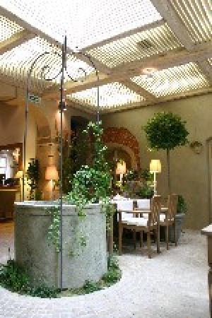Art Hotel: Art Restaurant and Cafe