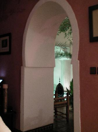 Riad Dar Dialkoum : patio vu du salon