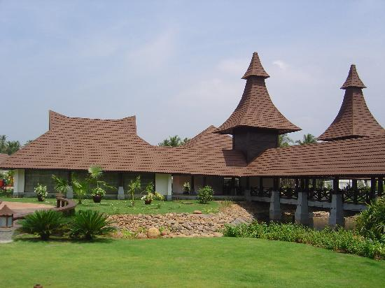 The Lalit Resort & Spa Bekal: Entrance View