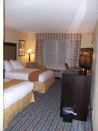 Holiday Inn Express Alpharetta-Roswell: 2 QUEEN BEDROOM