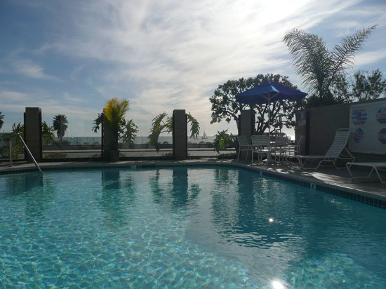 Capistrano Surfside Inn: Sit in the pool and gaze out at the ocean...