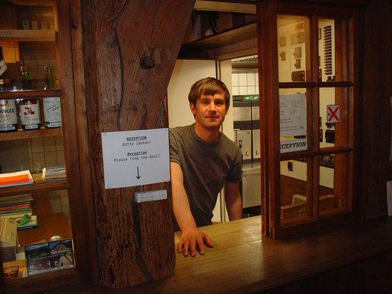 Hostel Feldkirch: Rezeption desk