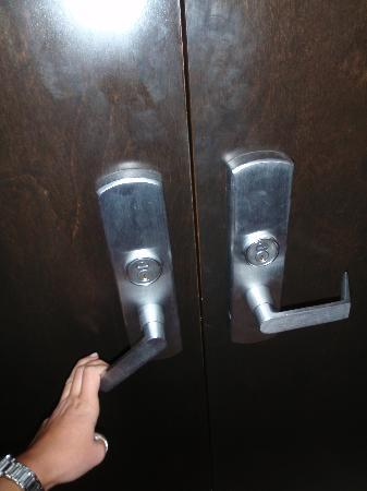DoubleTree Resort by Hilton Hollywood Beach: The OPEN door