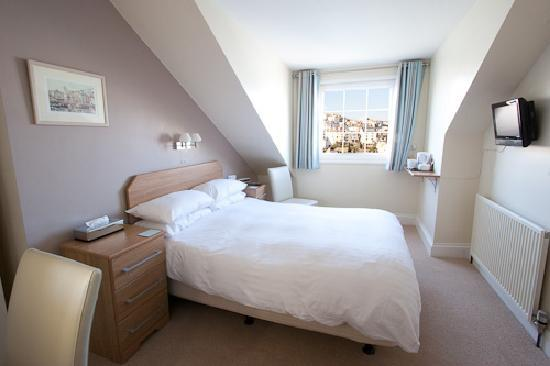 Harbour View: Newly refurbished bedroom - March 2010