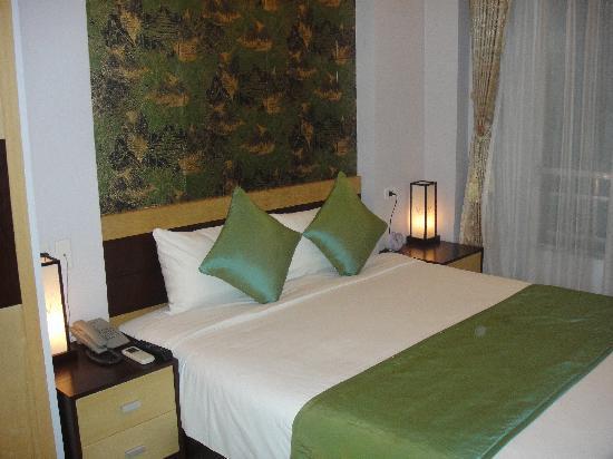 Hanoi City Palace Hotel: Bedroom