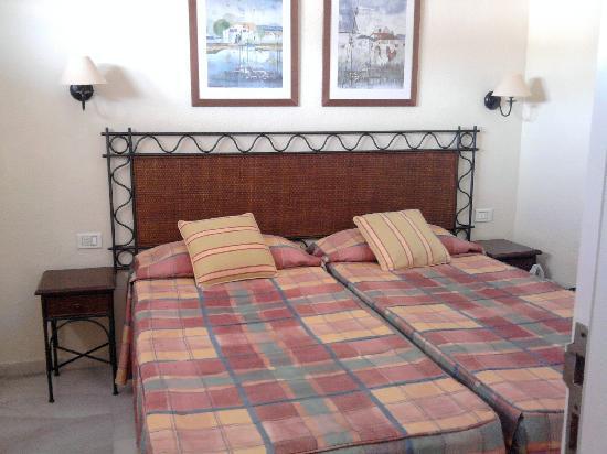 Palm Beach Tenerife: Twin Bedroom