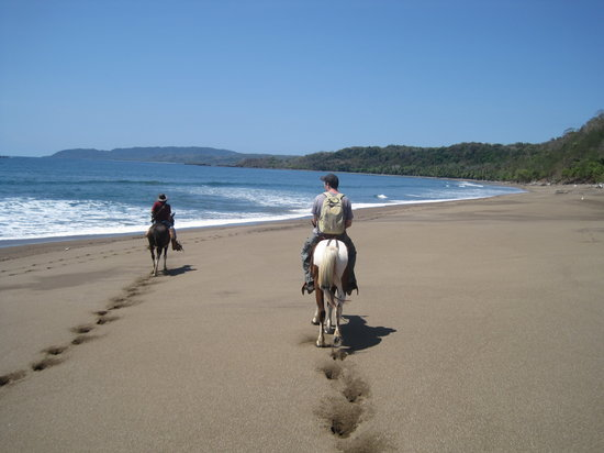 Montezuma, Costa Rica: Heading home after our dip.