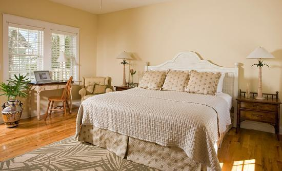The Addison on Amelia Island: Room 10 is on the second floor overlooking the fountain courtyard.