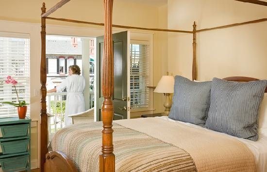 The Addison on Amelia Island: Room 14 has a private porch overlooking the historic homes of Ash Street.