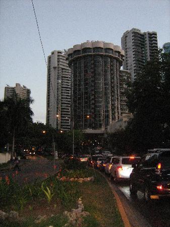 Plaza Paitilla Inn: Fachada del hotel