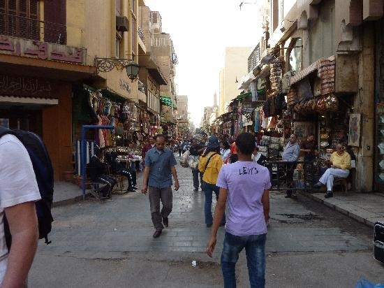 Kairo, Egypt: Khan el-Khalili Street scene