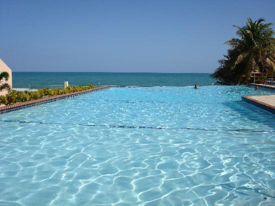 Parador MaunaCaribe : Infinite Pool